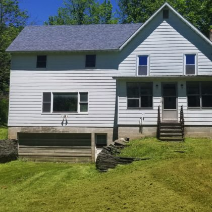 H24 - WITHIN WALKING DISTANCE OF PUBLIC ACCESS TO THE DELAWARE RIVER, SITS THIS LARGE, 5 BEDROOM HOME.
