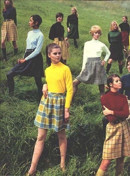 1968 08 Seventeen Bobbie Brooks 4 Regine Jaffry Colleen Corby 1