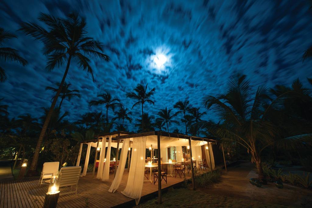 Vila-Naia-Night-Time-Dining-Area
