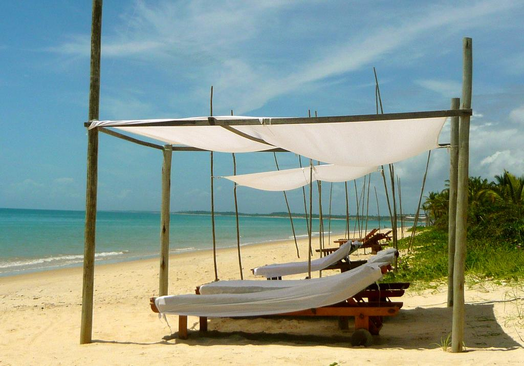 Vila-Naia-cabana-beach