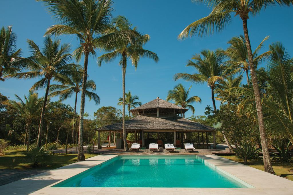 Vila-Naia-daytime-pool
