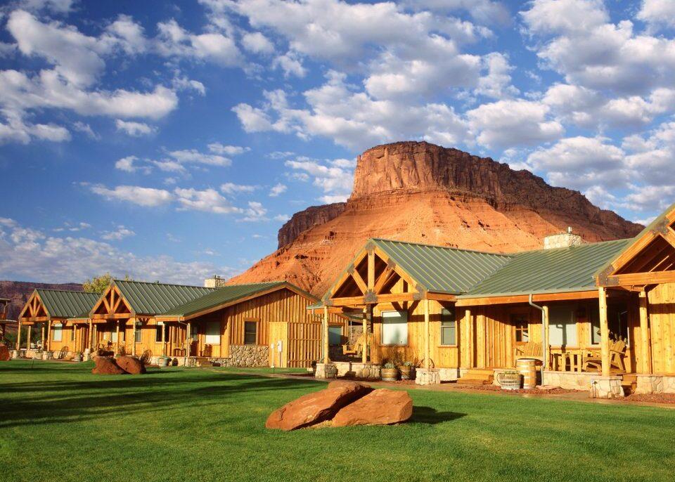 hotels-outdoors-adventure-resort-trip-ideas-960x960