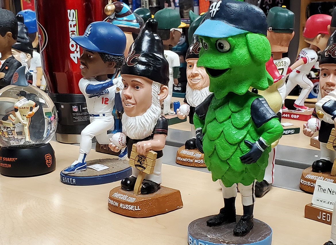 Man-Cave-Placerville-bobble-heads-top-suppliers