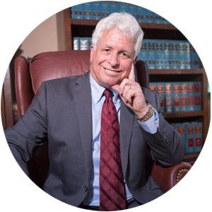 steve-brian-davis-attorney-at-law-san-diego-portrait-chair