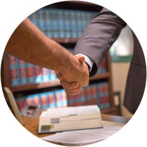 steve-brian-davis-attorney-at-law-san-diego-portrait-handshake