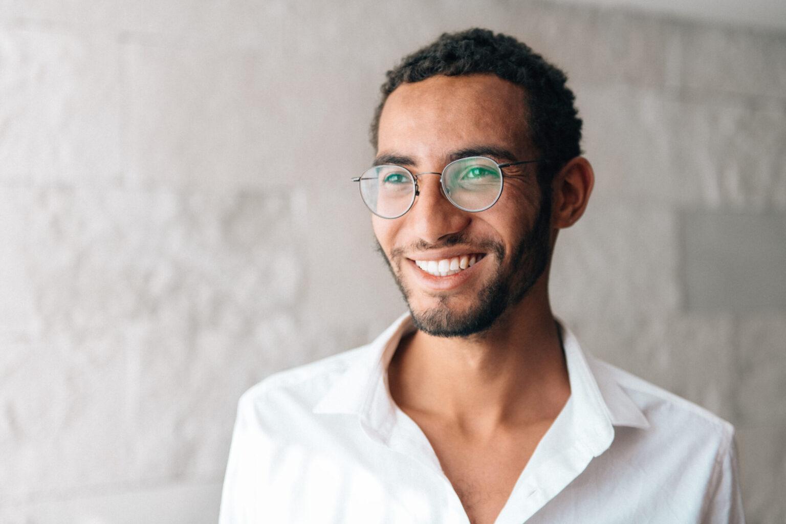 Men's African American Short Curly Haircut