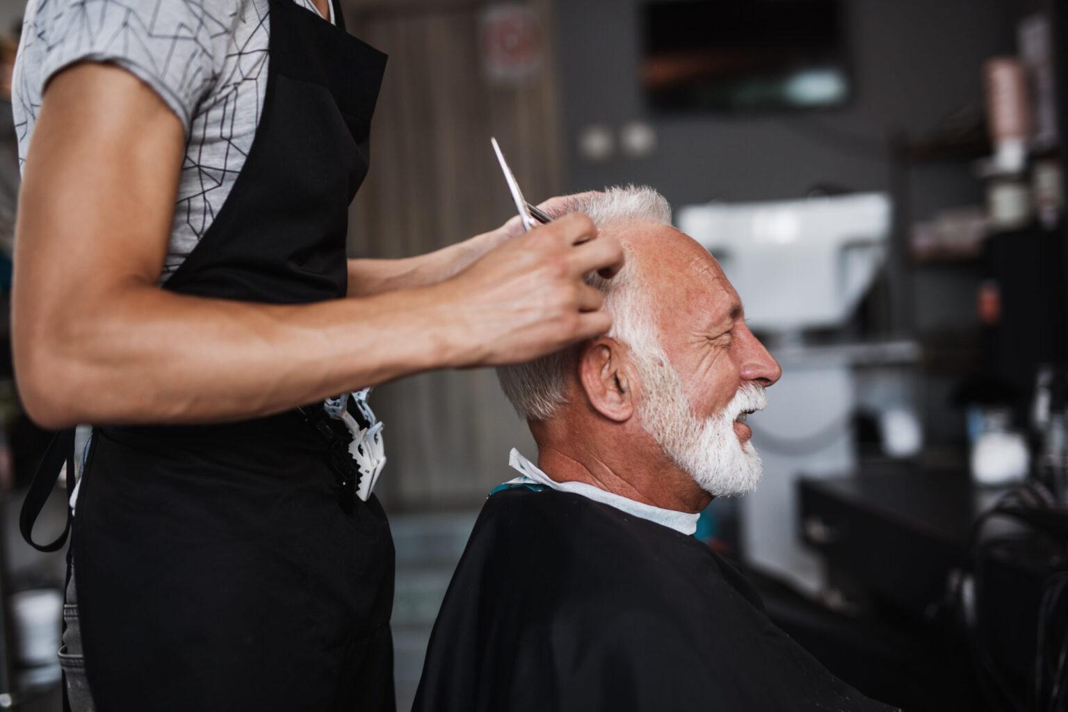 Men's hair trim