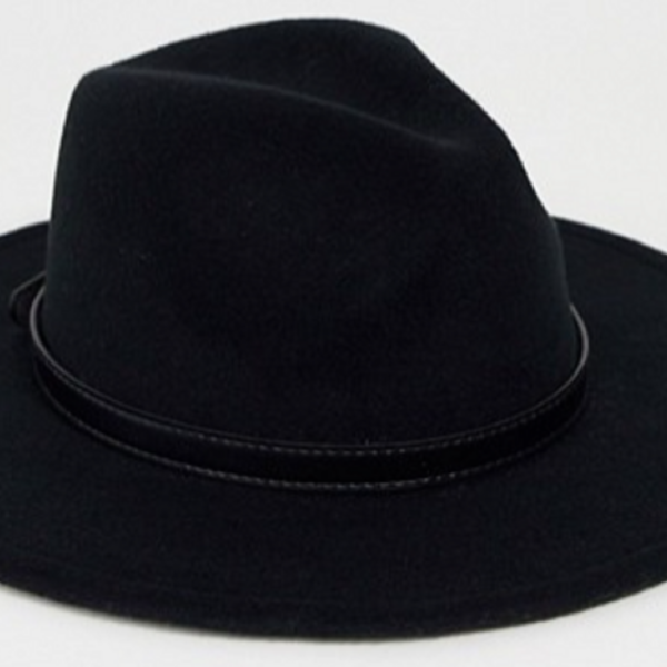 Fedora hat with buckle detail – Black