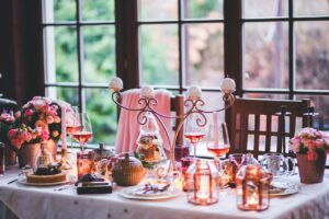 A table setting decorated for the holiday season