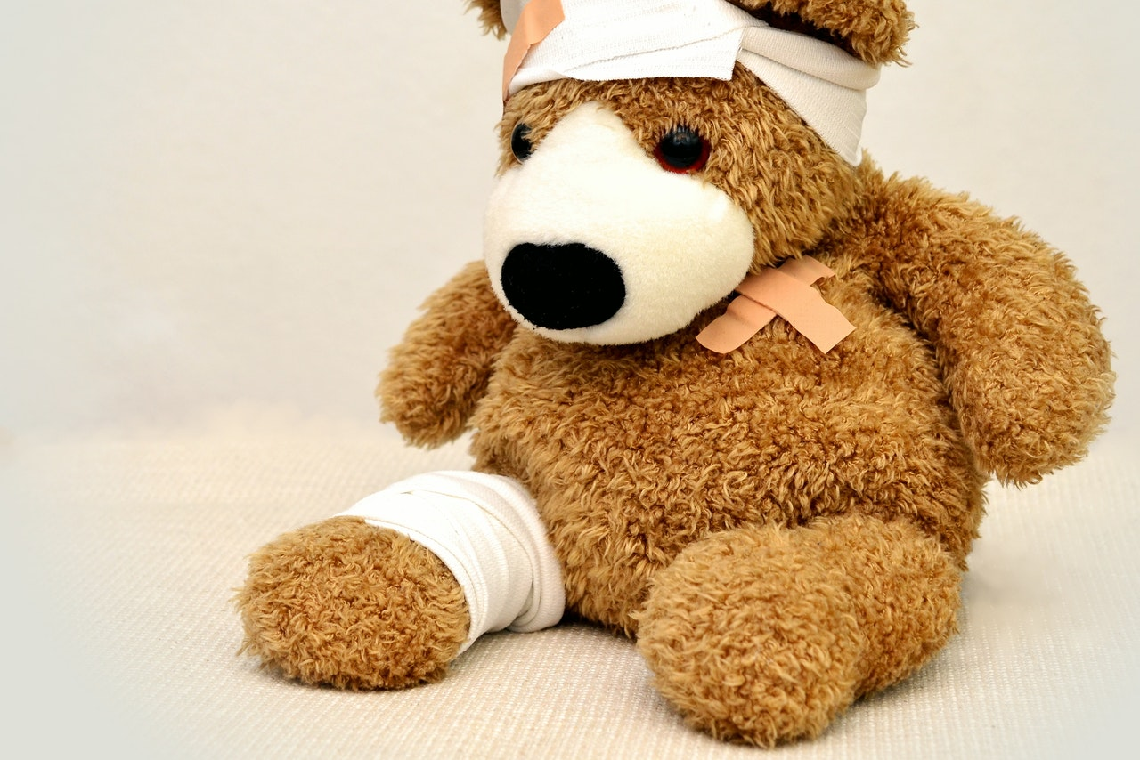 brown-and-white-bear-plush-toy-42230 (1)