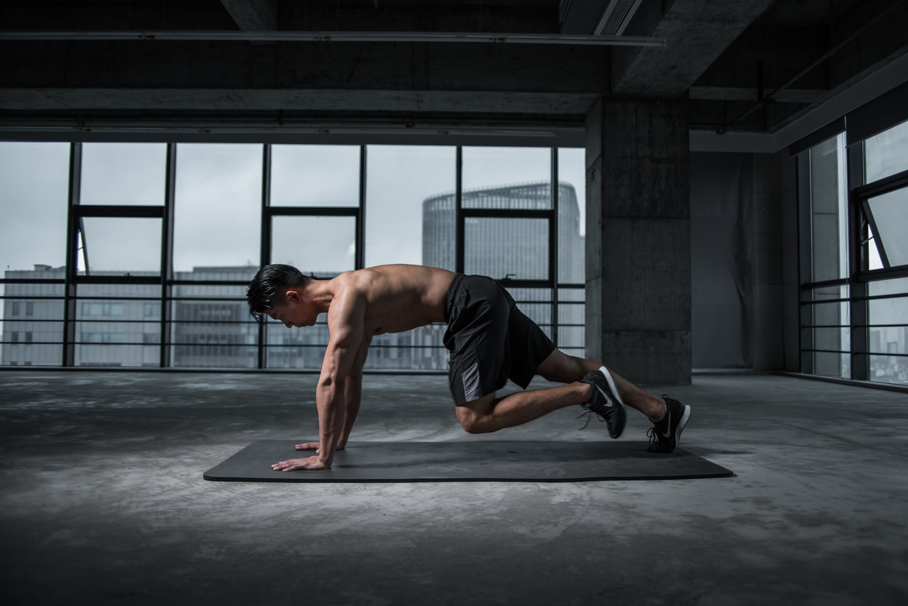 man-working-out-2294361 (1)