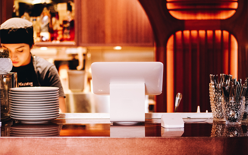Modern-POS-for-Table-side-and-Takeout