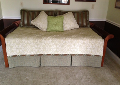 Coverlet dust ruffle