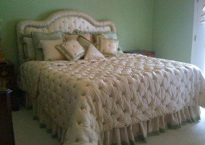 Coverlet tufted