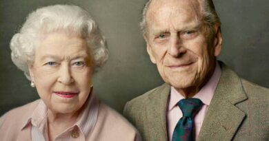 Phu quân Nữ hoàng Anh Quốc, Hoàng tế Philip vừa qua đời, thọ 99 tuổi