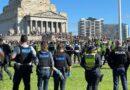 22/9: Biểu tình tụ tập tại Đền tưởng niệm Melbourne; 215 bị bắt