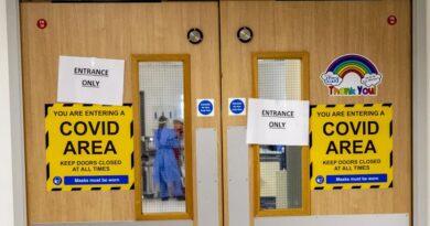 Delta Plus: Tăng 45,000 ca nhiễm Covid-19/ngày tại Anh, chuyên gia hối thúc điều tra