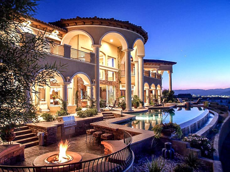 luxury las vegas swimming pool spa
