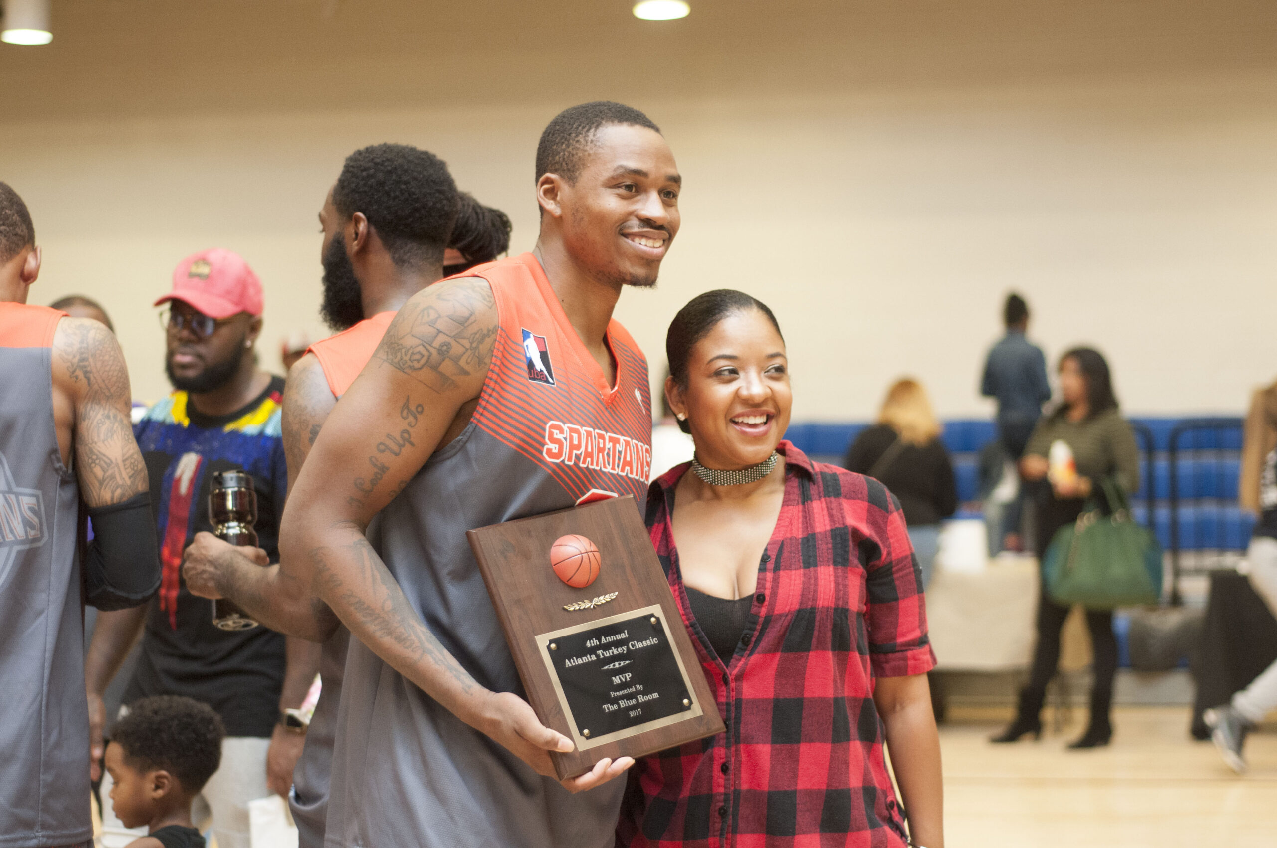 2017 Thanksgiving Turkey Drive Georgia Spartans Gives Back 32