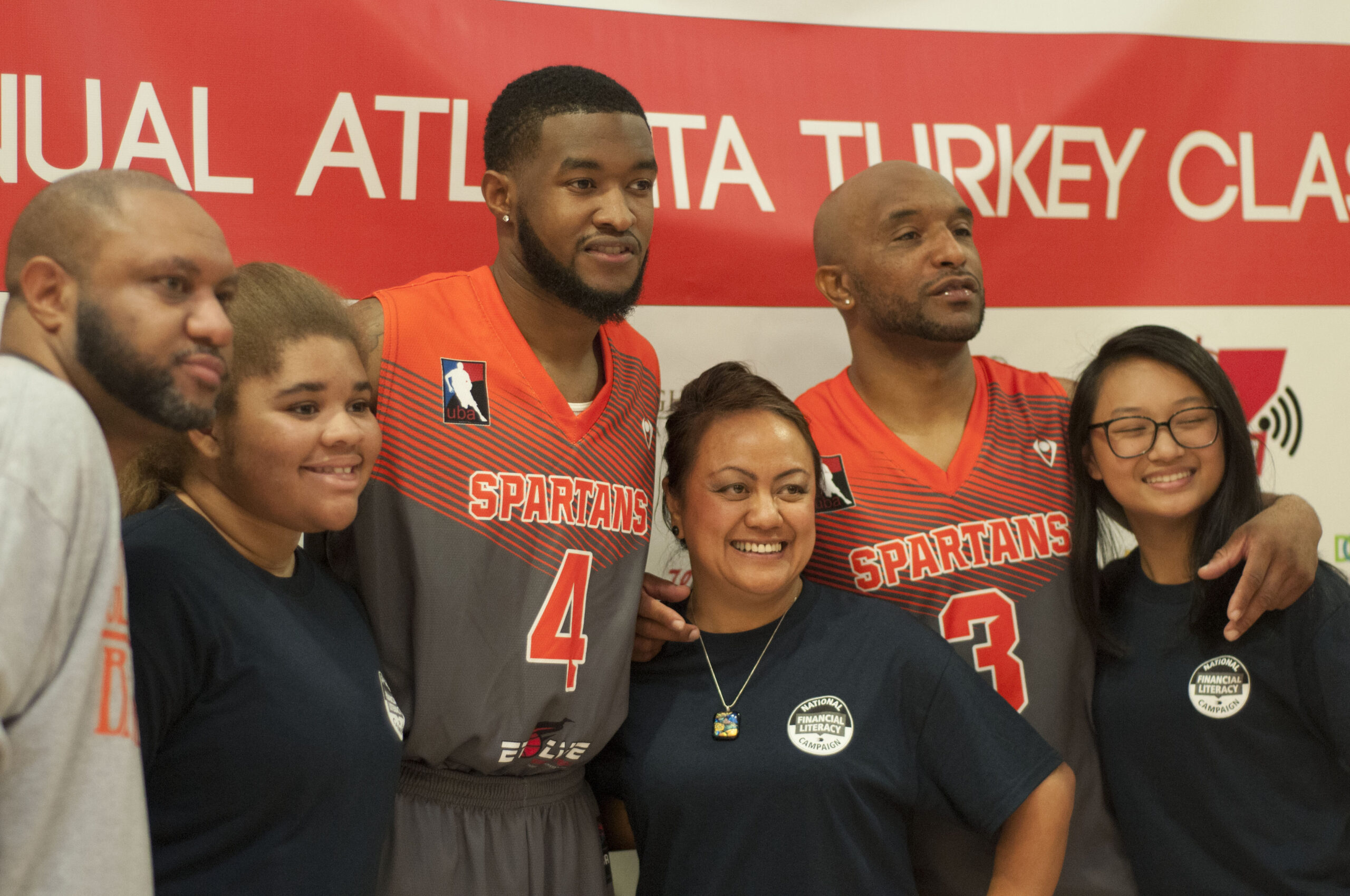 2017 Thanksgiving Turkey Drive Georgia Spartans Gives Back 7