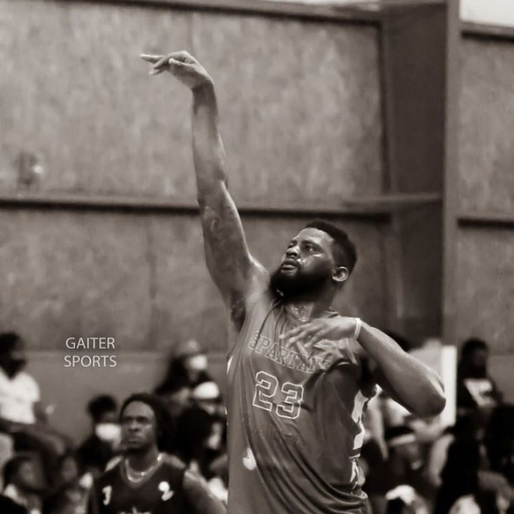 Umbl Fall Festival Recap !!!! @moneybagz5 lead his team with 28pts 9reb and 3assist!!! Photo credit @gaitersports Sponsors cred