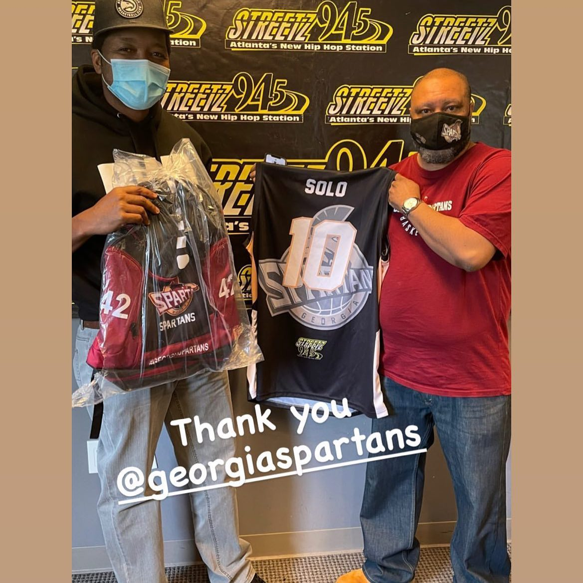 We Presented @usofsolo of @streetz945atl his personal jersey today. Thanks again #streetz945atl for being a sponsors!! Check out o