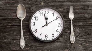 Intermittent Fasting : Best Methods, Tips To Maintaining, Benefits & Side Effects