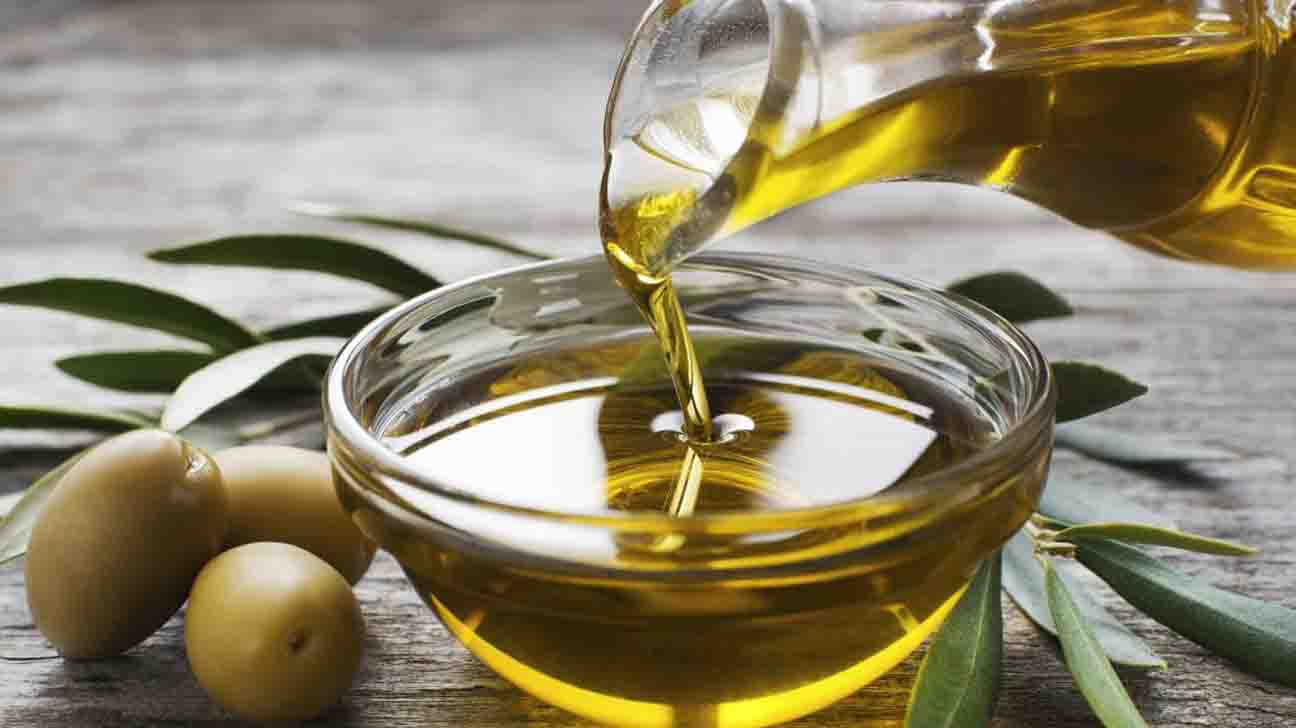 Olive Oil & 11 Benefits For Your Health