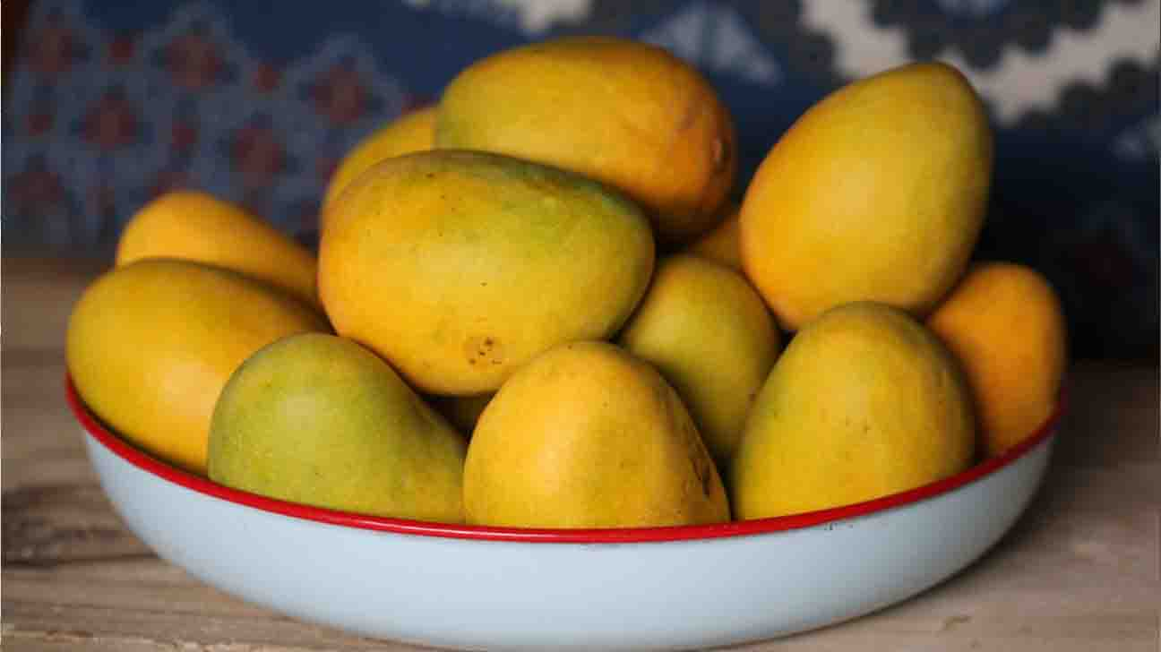 Mango : Nutritional Value & Potential Health Benefits