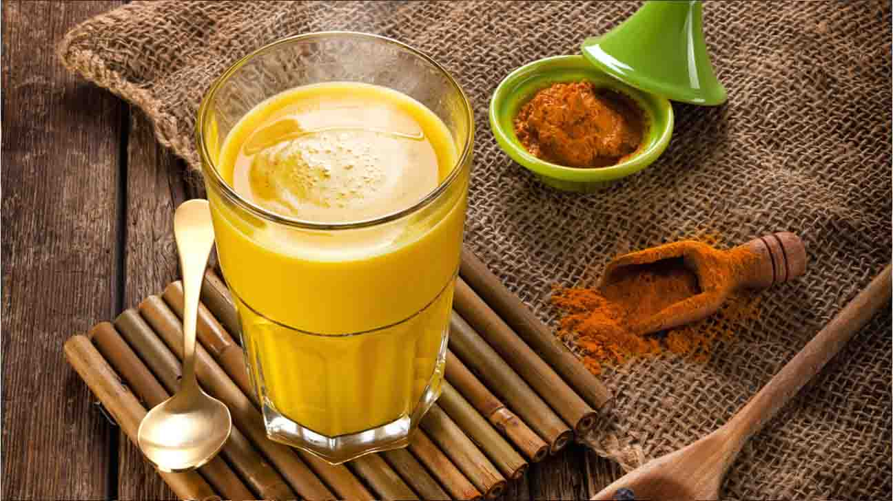 Turmeric Milk (Golden Milk) : How To Make & Health Benefits