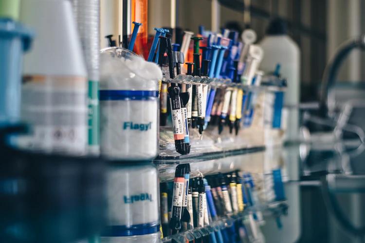 assorted color syringes