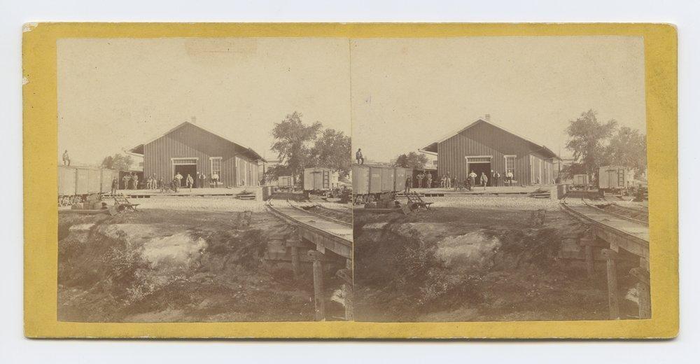 Delaware Avenue, Leavenworth, Kansas. 309 miles west of St. Louis, Mo. - 2