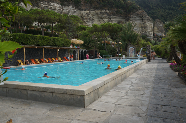 How to take a thermal bath European style
