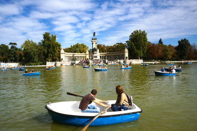 Things to See in Madrid: El Parque del Buen Retiro