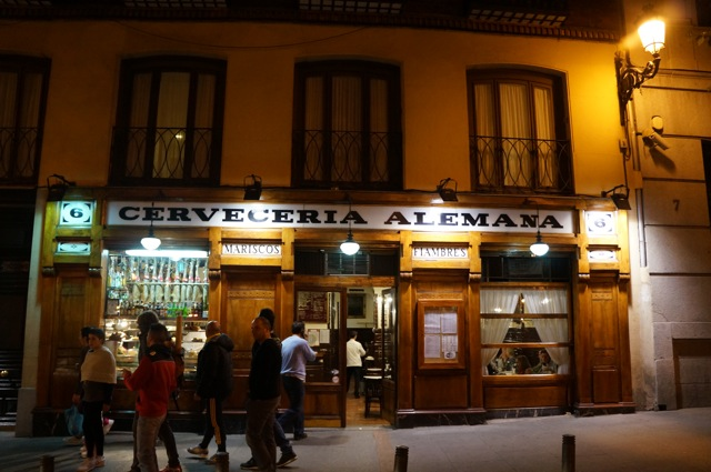 Something In Her Ramblings, a Madrid travel blog, discovers the best plazas in Madrid.