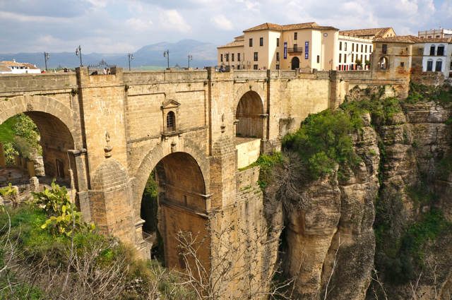 One of the top 10 things to see on an Andalucía Road Trip is Ronda.