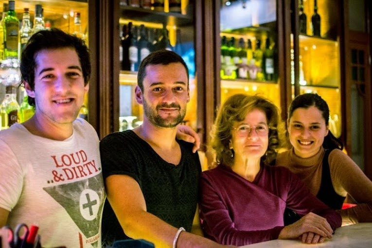 Dine with Mamma at Home Lisbon Hostel