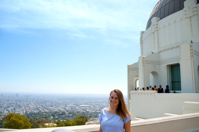 Travel blogger Lauren Salisbury of Something In Her Ramblings sees a Griffith Observatory view
