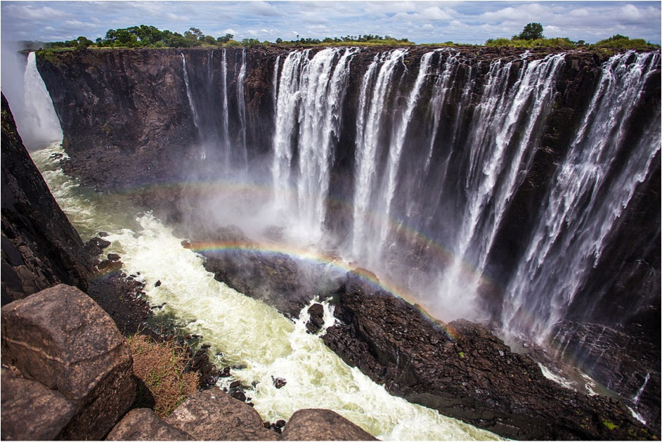 Dive In: The World's Most Amazing Waterfalls