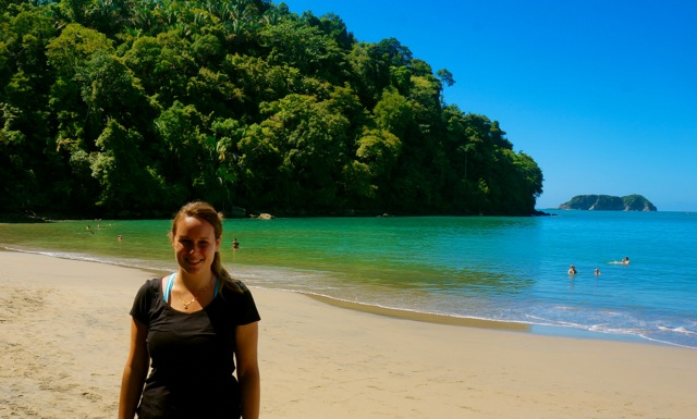 travel blogger Lauren Salisbury of Something In Her Ramblings at Manuel Antonio National Park.