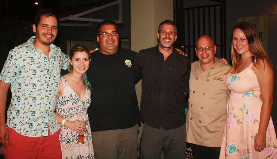 Casa Saltshaker Pops-up – and Rides to Shore – in Playa Jacó