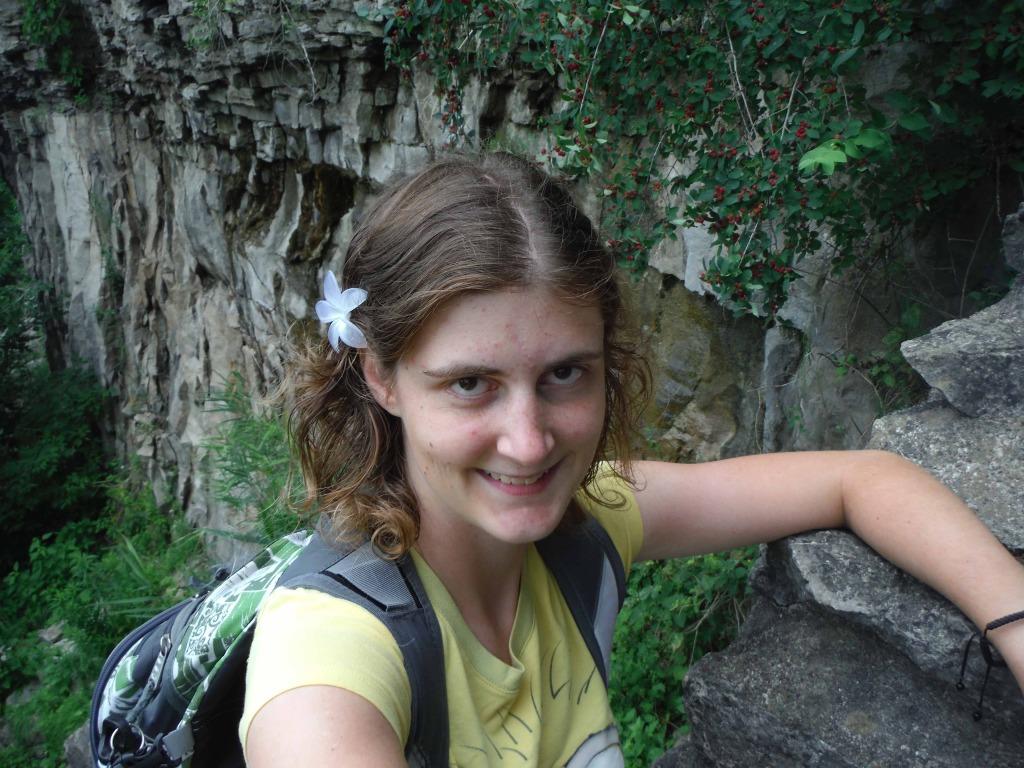 Jessica lippe takes a solo trip to Niagara Falls