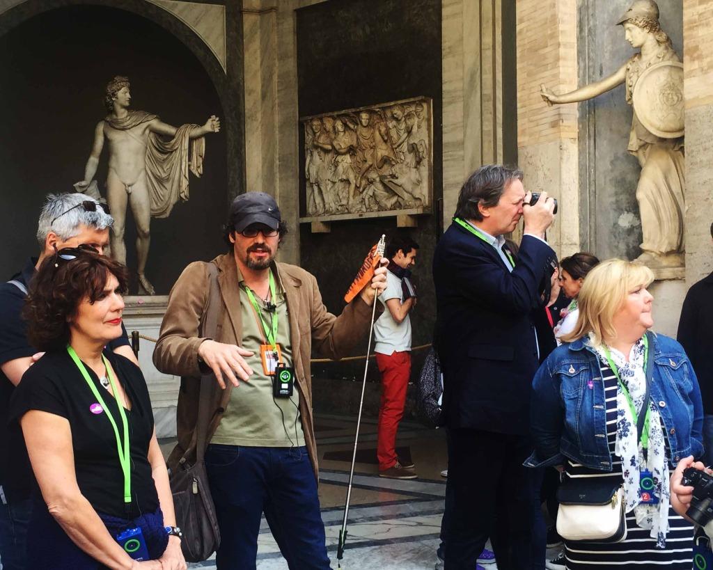 tour guide with vatican city tour
