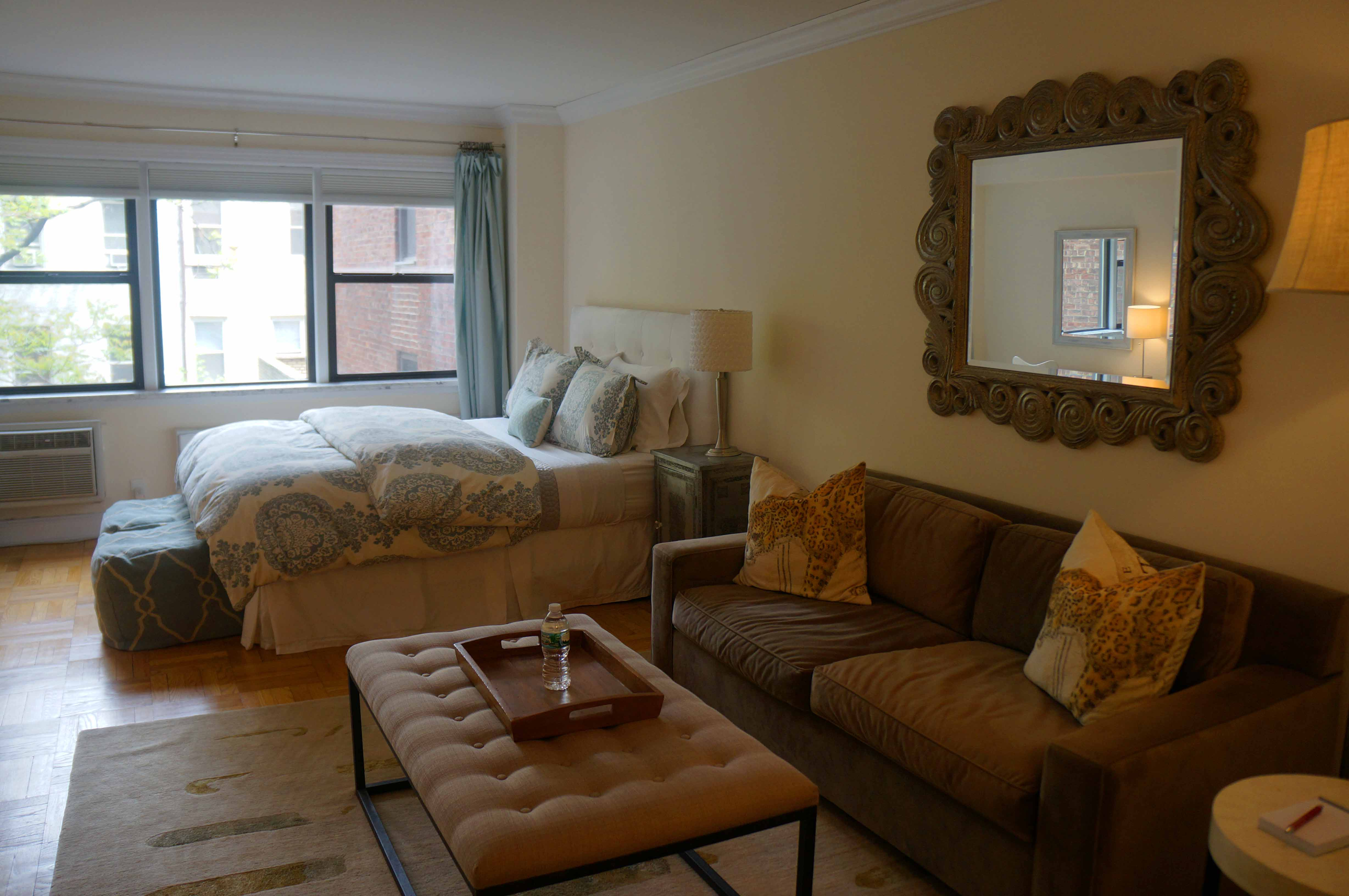 HomeAway Apartment Rental in New York: Or, The Art of Feeling Like a Writer in NYC