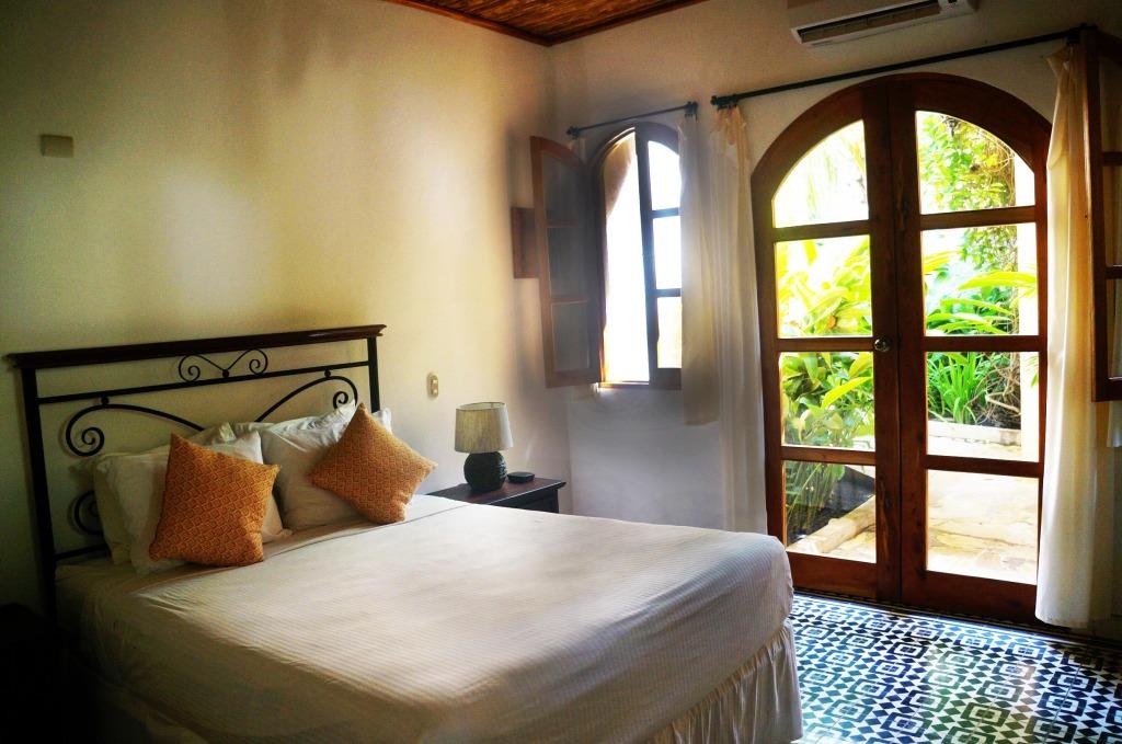 casa lucia hotel in granada guest room