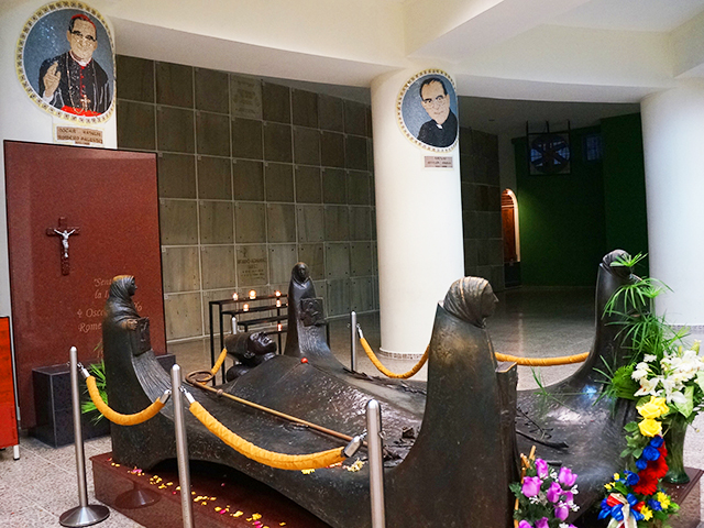 what to see in el salvador on a layover- tomb of oscar romero