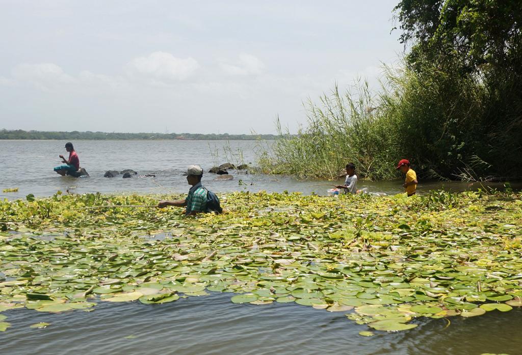 lake nicaragua fishermen