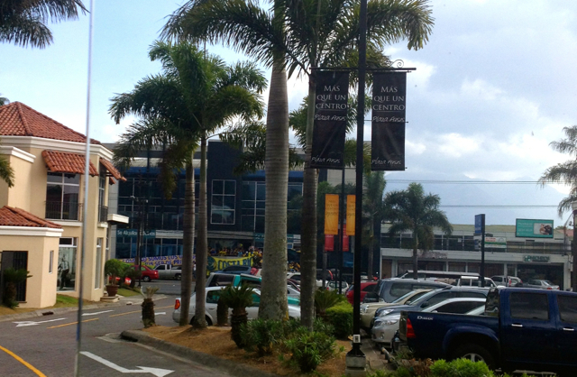 how to experience costa rica like a local visit a mall