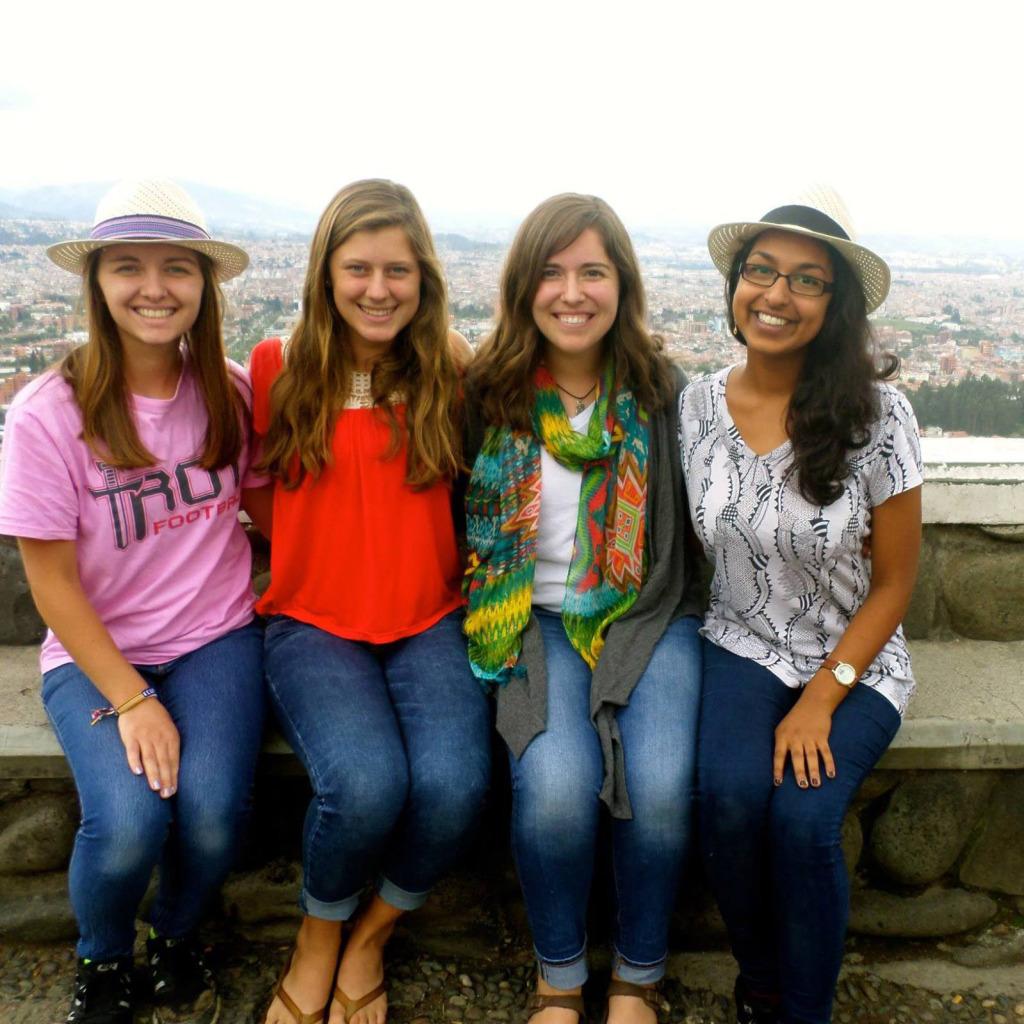solo travel in ecuador making friends