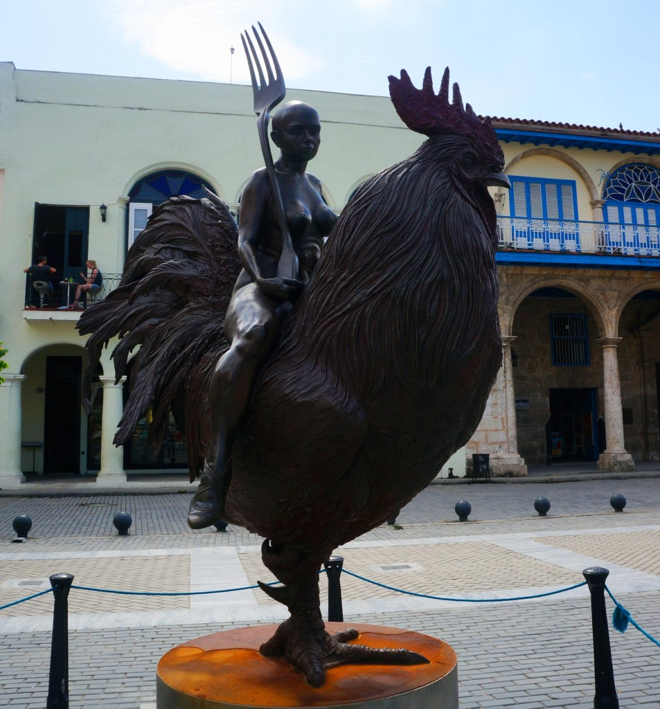 havana tour plaza vieja statue